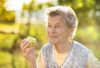Gesund ernähren im Alter mit vielen Vitaminen